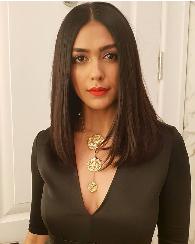 Mrunal Thakur hot and sexy pics